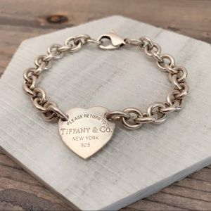 Tiffany | Return to Tiffany Heart Charm Bracelet
